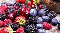 خوردن انواع توت به پیشگیری از سرطان کمک میکند