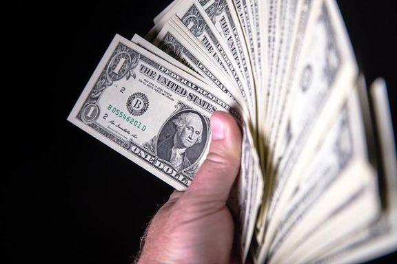 88هزار دلار ارز قاچاق از خودروی سواری کشف شد