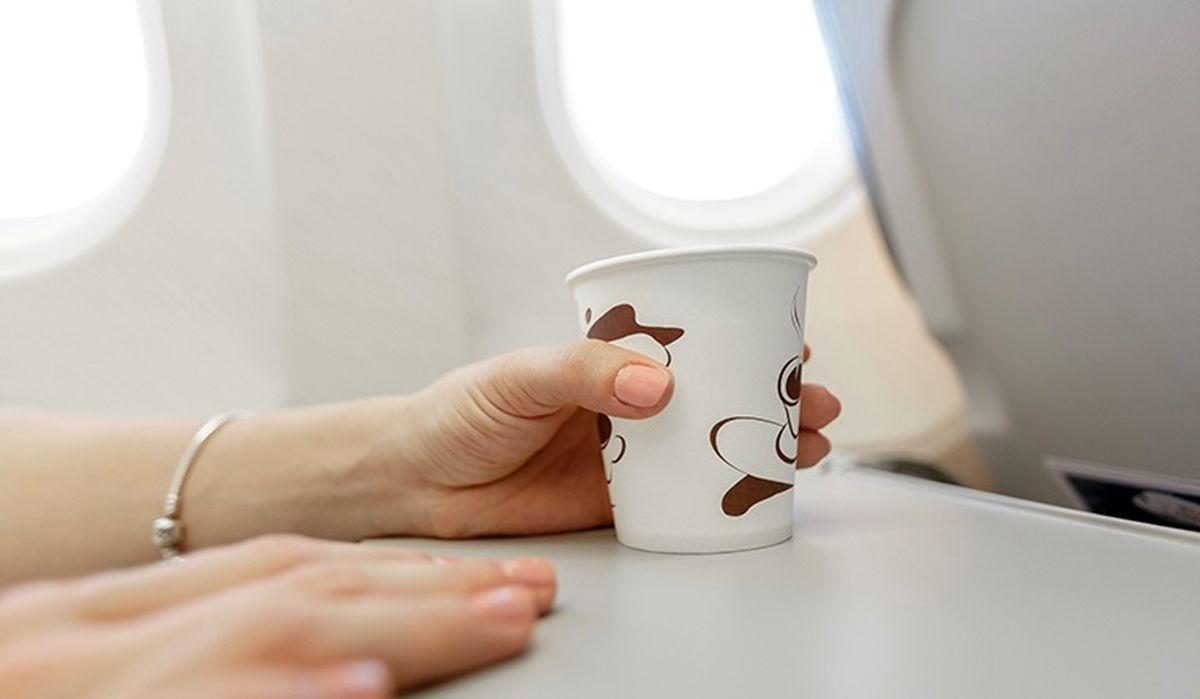 نوشیدن چای و قهوه در هواپیما خطر مرگ دارد؟