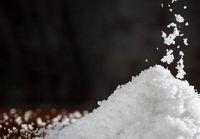 درمان نفخ و بیماریهای معده با نمک