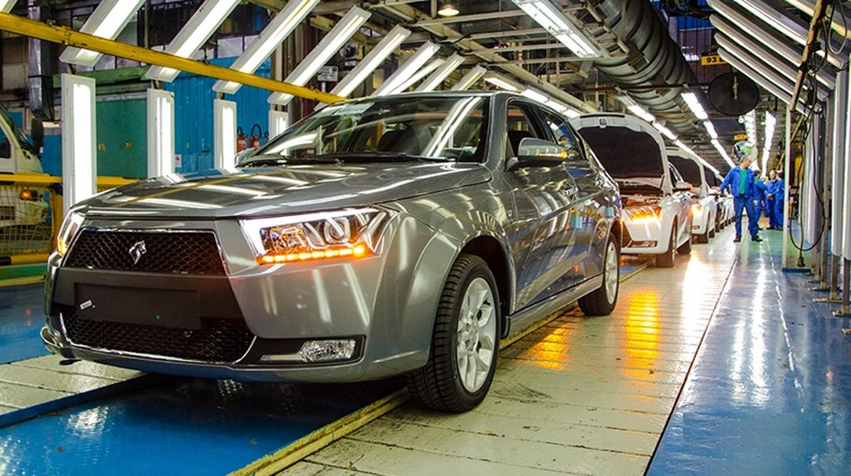 خواب مدیران، سهامداران در زیان / ایران خودرو  هر روز نحیفتر میشود