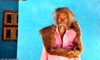 مردی که ۴۰سال موهایش را نشسته! +تصاویر