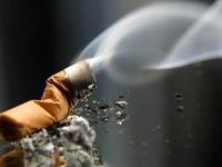 سیگار به چشمها آسیب میزند