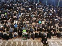 نماز ظهر عاشورا اقامه میشود