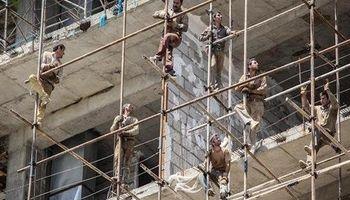 قطع بیمهپردازی ۱۹۵هزار کارگر ساختمانی/ کارگران برای بهرهمندی از مزایای بیمهاجتماعی در سامانه خدمات رفاهی ایرانیان ثبتنام کنند