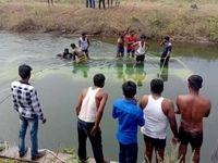 سقوط اتوبوس دانش آموزان به کانال آب