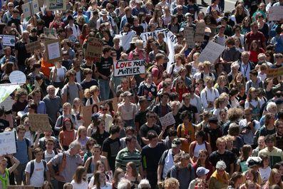 تظاهرات جهانی در اعتراض به وضعیت آب و هـوا