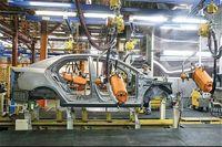 لزوم استفاده شرکتهای قطعهسازی از پتانسیل صادرات/ بنزین یارانهای موجب کاهش کیفیت خودروها شده است