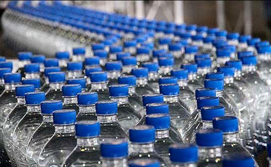 چرا آب معدنی گران شد؟/ افزایش ۳۰۰درصدی قیمت مواد اولیه بطری