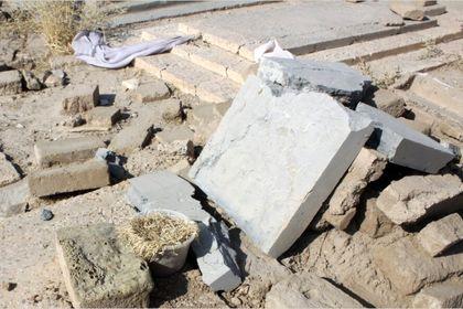 قبرستان متروکه در سمنان +تصاویر