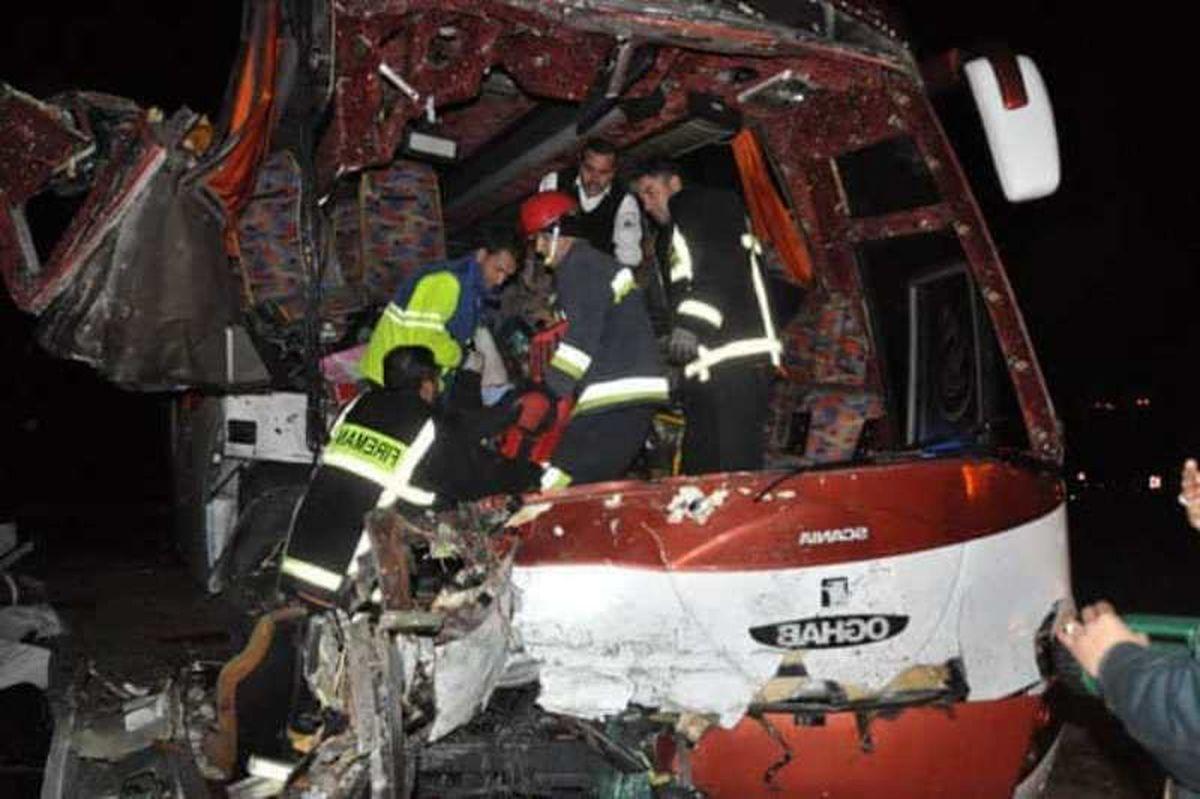 واژگونی اتوبوس 9کشته و زخمی برجای گذاشت