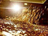 کاهش قیمت طلا در پی بازگشاییهای اقتصادی/ بازگشت سرمایهگذاران به سمت سرمایههای ریسک پذیر