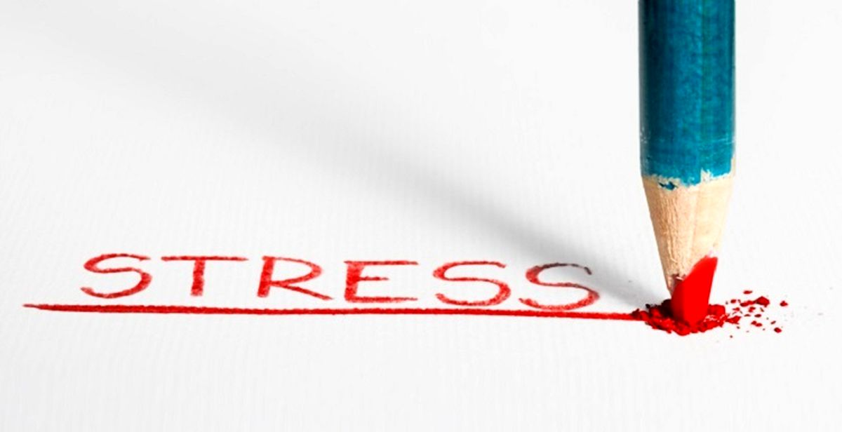 استرس چه علائمی دارد و چگونه درمان میشود؟