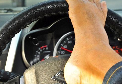 رانندگی مرد بدون دست