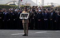 احترام مردم مصر به دیکتاتور سابق! +عکس