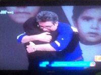 مجری مشهور در آغوش مادرش +عکس