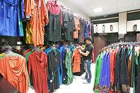 چه کسانی مانع برخورد با پوشاک قاچاق میشوند؟