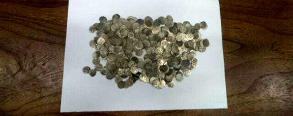 کشف ۳۸۸ سکه نقره قدیمی +عکس