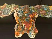 خرید تابلو تهیه شده از پوست خالکوبی شده مردگان +عکس