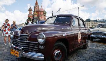 مسابقه خودروهای کلاسیک در مسکو +تصاویر