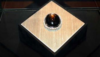 نگهداری ارزشمندترین یاقوت جهان در خانه یک معدنکار