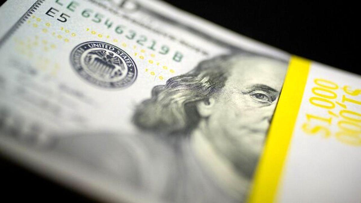 افت دلار