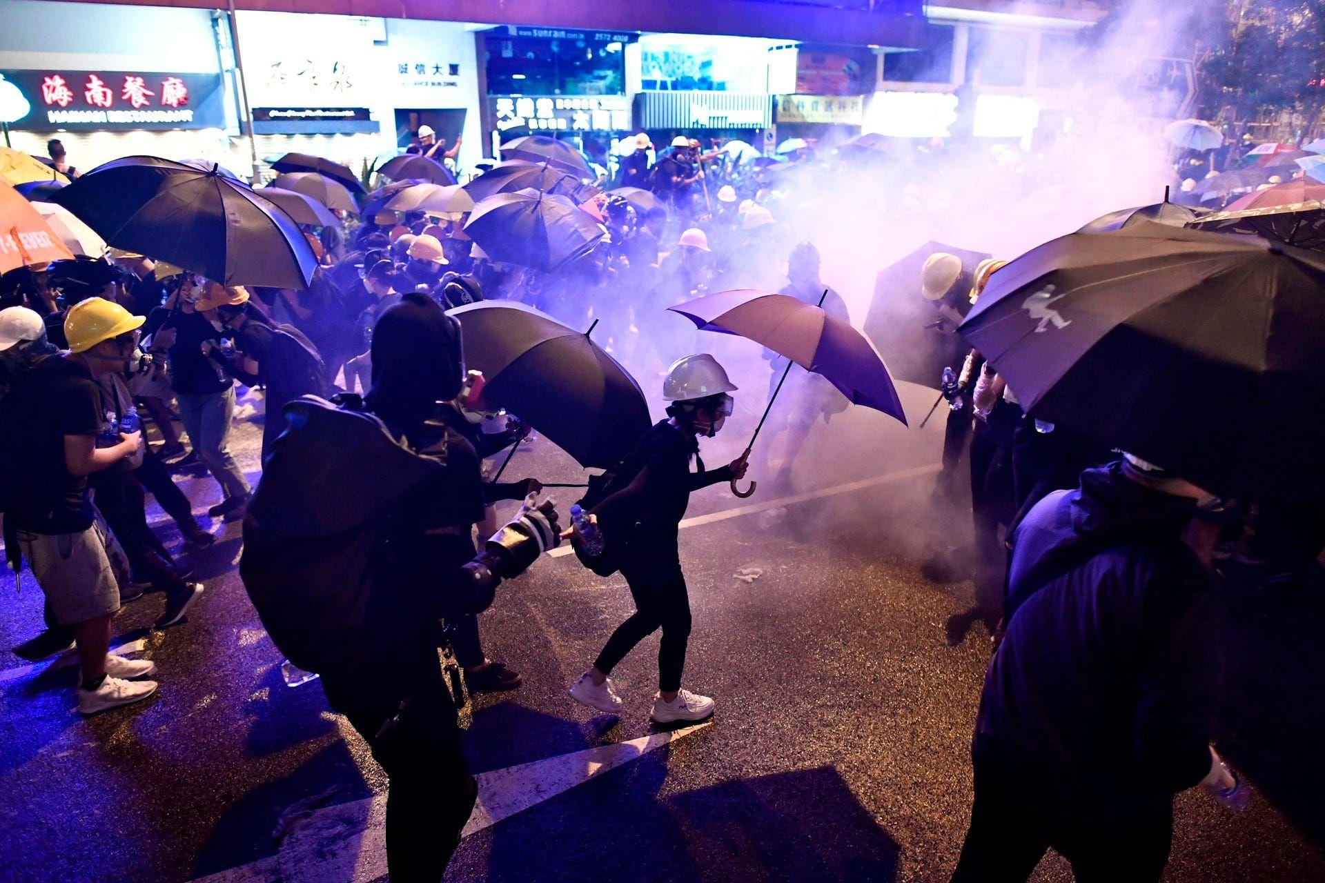تظاهرات د ر هنگ کنگ به خشونت کشیده شد