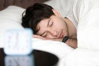 بی خوابی با افزایش ریسک بیماری قلبی و سکته مرتبط است