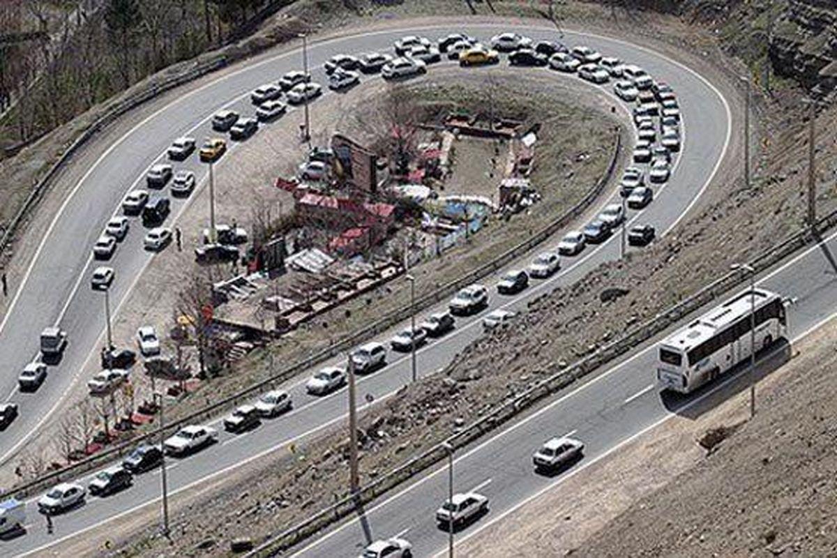ترافیک سنگین در محورهای کندوان و هراز / جاده شمشک-دیزین مسدود است