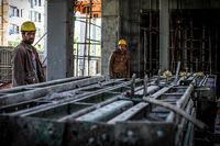 پیشبینی افزایش دستمزد کارگران در سال آینده