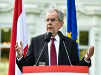 رییسجمهور اتریش: آمریکا شورش را در آورده است!