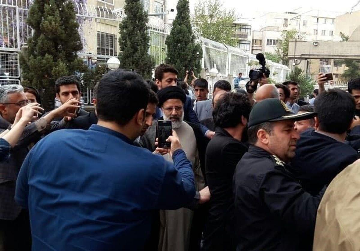 ابراهیم رییسی وارد ستاد انتخابات کشور شد