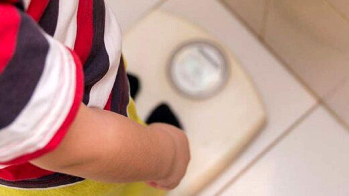 علت پرخوری و بیاشتهایی عصبی در نوجوانان