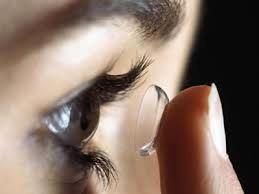 عامل عفونت قرنیه در استفادهکنندگان لنزهای تماسی