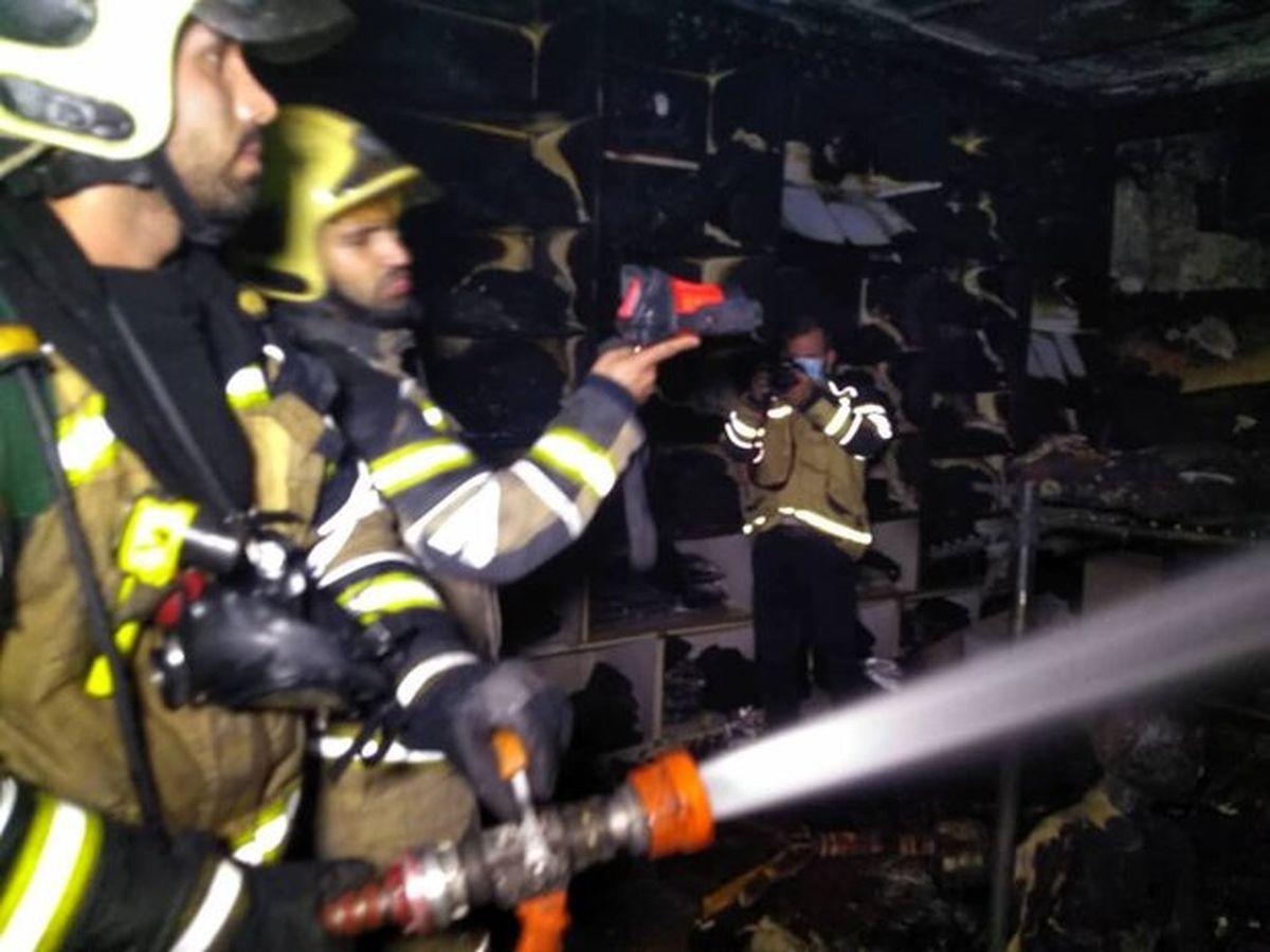آتش سوزی گسترده در خیابان عامری اهواز + عکس