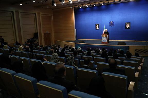 آمریکا نمی تواند ملت ایران را به زانو درآورد/ راه نجات ما صبر ، مقاومت و ایستادگی است