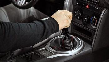 ۱۱ خطای رانندگی که به ضرر خودرو است