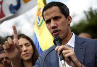 خوان گوایدو نخستین حکم ریاست جمهوریاش را امضا کرد