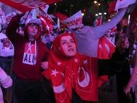 دودستگی مردم ترکیه بعد از رفراندوم به نفع اردوغان تمام شد +تصاویر