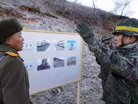 اولین عبور سربازان کره شمالی و جنوبی از مرز +تصاویر