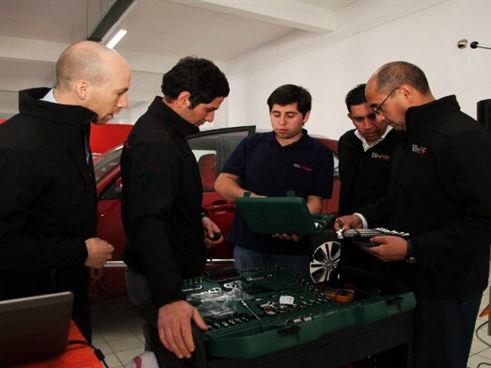 کارشناسان فنی مدیران خودرو به رقابتهای بینالمللی اعزام میشوند