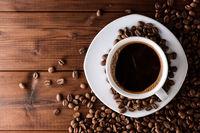 چگونه دندانهای خود را از لک قهوه نجات دهیم؟