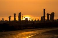 اتمام پروژههای پارس جنوبی در اولویت وزارت نفت/ پاقدم خیر وزیر برای پایان قطعی برق در پارسیان