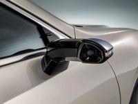 خودرویی با دوربین دیجیتال به جای آینه بغل به بازار میآید