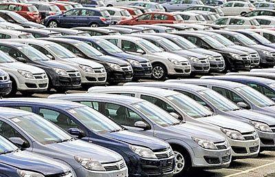 الزام خودروسازان به پرداخت سود انصراف
