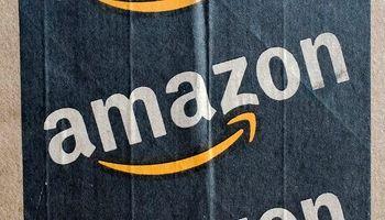 ربات تحویل کالای آمازون در کوچهپسکوچههای آمریکا