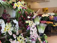 تاج گلهای میلیونی مراسم عزا