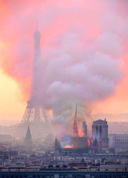 واکنش داعش به آتش سوزی کلیسای نوتردام: منتظر بعدی باشید!