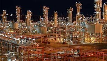 پرونده عملکرد پنج ساله شرکت ملی گاز زیر ذره بین مجلس/ تحقیق و تفحص از پتروشیمی باختر همچنان ادامه دارد