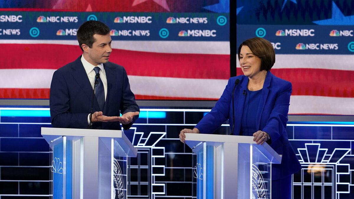 کنارهگیری دو نامزد دمکرات ریاست جمهوری آمریکا به نفع بایدن